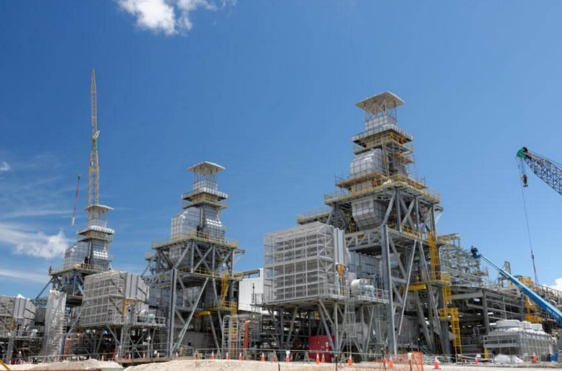 Santos forecasts slump in gas and oil production