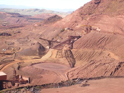 Rio Tinto delays iron ore operations expansion to 2017