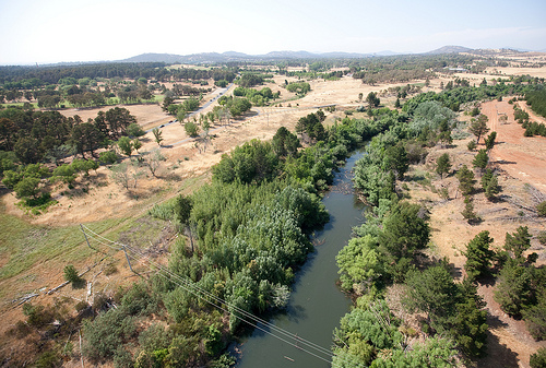 Molonglo River, Lady Denman Drive and Yarralumla Creek Image credit: flickr User:  MCG Images 2