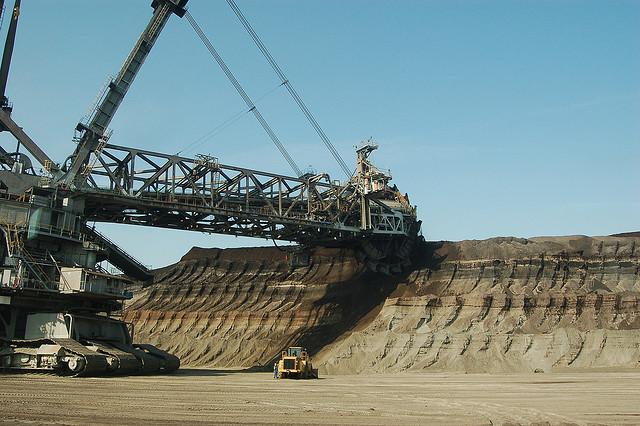 WA police raids FMG's Cloubreak mine in the Pilbara
