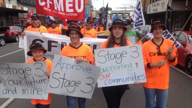 Acland mine families urge Qld Government not to reverse the approval of the mine plan
