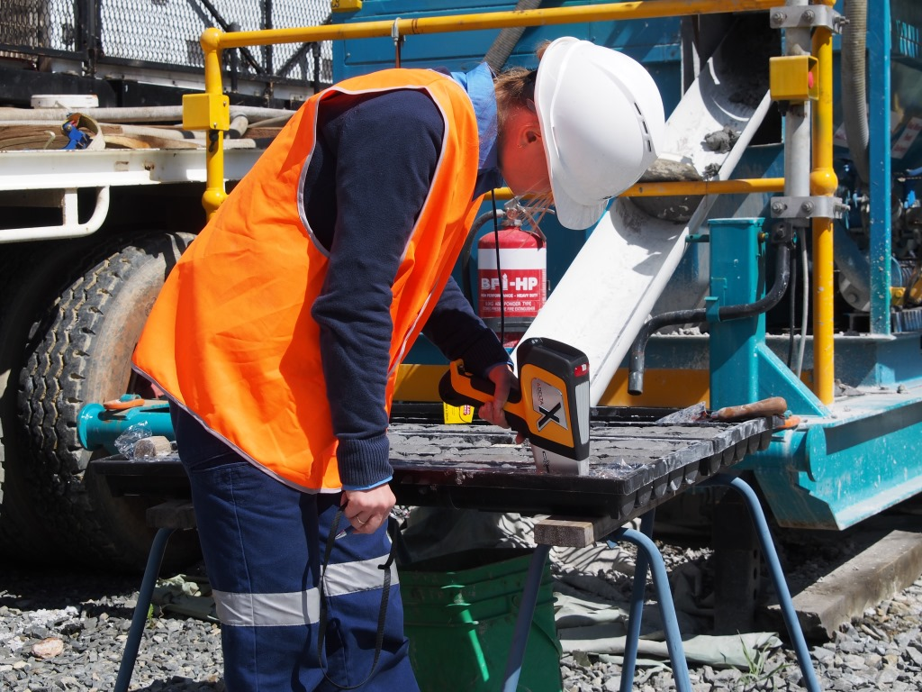 CSIRO scientists develop tech that speeds up process of analysing mineral exploration